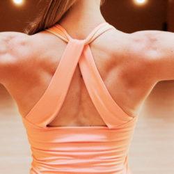 Почему нам сложно держать спину прямой?